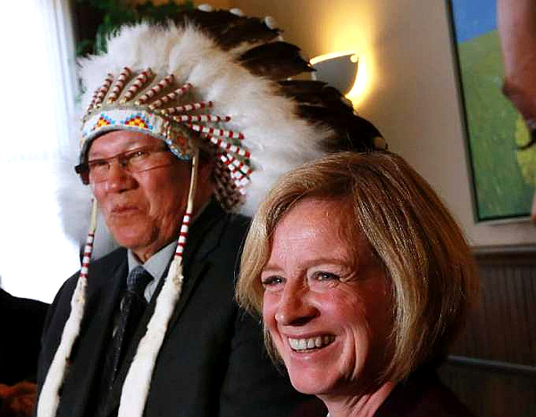 Grand Chief Charles Weaselhead and Premier Rachel Notley (GAVIN YOUNG-CALGARY HERALD)